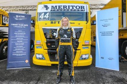 Steffi Halm, pilote de camion de course lors du grand prix de Nogaro en 2014 ©CC