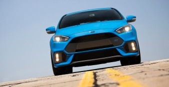 The all-new 2016 Focus RS's bi-xenon HID headlamps offer brilliant illumination in all road conditions.