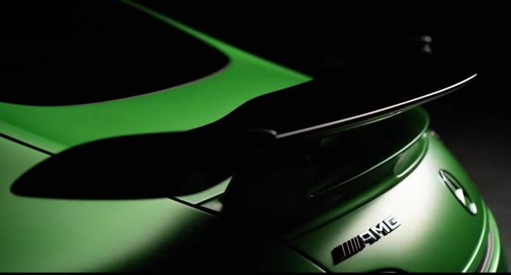 Mercedes-AMG-GT-R-2.jpg