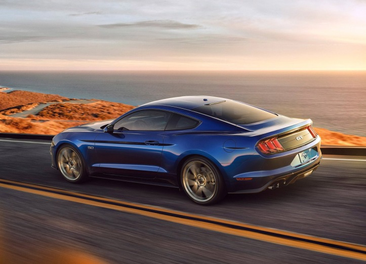 ford-mustang-2018-arriere-dynamique-bleu