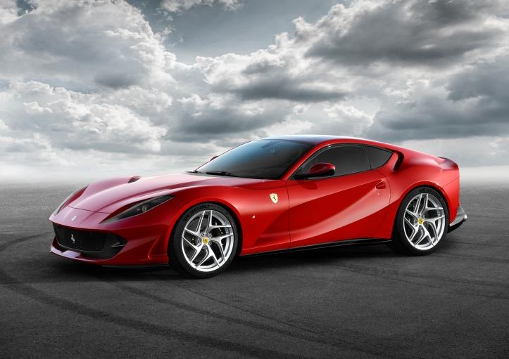 Ferrari 812 Superfast profil