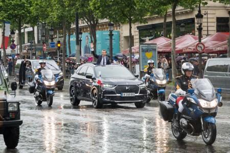 Emmanuel Macron en DS 7 Crossback