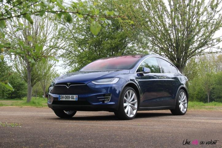 Essai Tesla Model X 90D Une Fille Au Volant