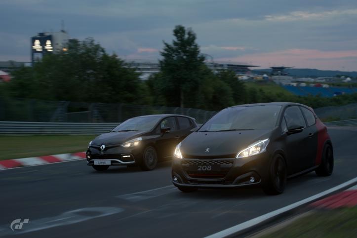 Peugeot 208 GTi et Renault Clio R.S. Gran Turismio Sport 2017