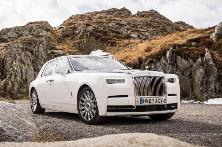 Rolls-Royce-Phantom-2018