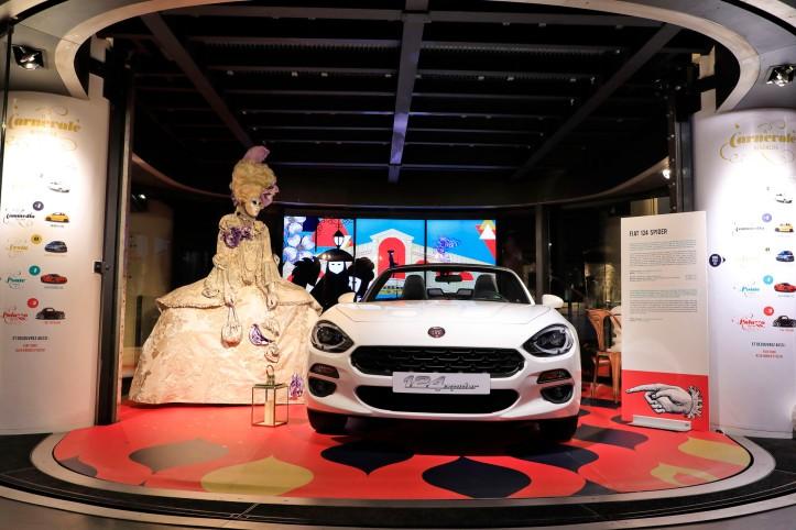 Expo MotorVillage Il Carnavale di Venezia Fiat 124 Spider