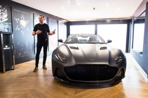 Aston Martin DB Superleggera 2018 miles Nurnberger design supercar avant statique