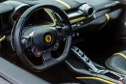Ferrari Mortefontaine intérieur volant luxe détail