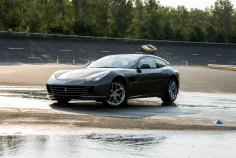Ferrari GTC4 Lusso T Mortefontaine circuit drift dérapage jantes sportive