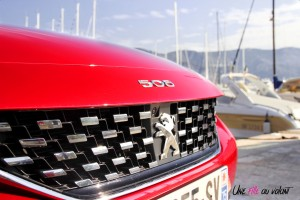 Peugeot 508 GT 2018 logo capot détail rouge Ultimate