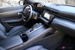 Peugeot 508 GT 2018 intérieur écran i-cockpit EAT8