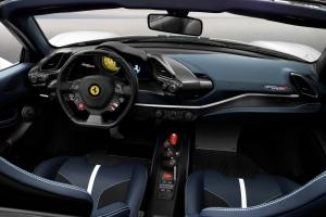 Ferrari 488 Pista Spider 2018 intérieur volant sièges