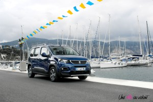 Peugeot Rifter 2018 Allure avant bleu