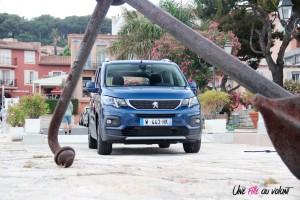 Peugeot Rifter 2018 Allure face avant statique bleu boîte manuelle