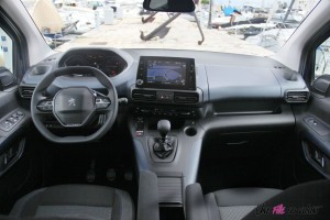Peugeot Rifter 2018 Allure intérieur i-cockpit
