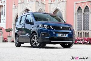 Peugeot Rifter 2018 Allure avant statique bleu jantes