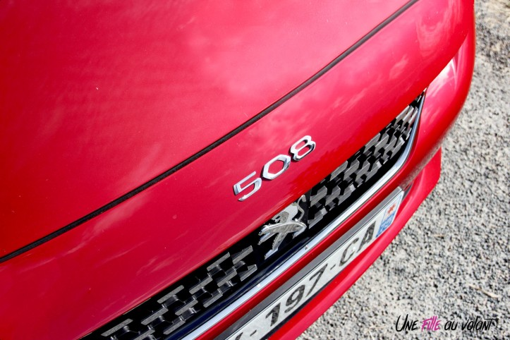 Essai Peugeot 508 logo capot rouge ultimate