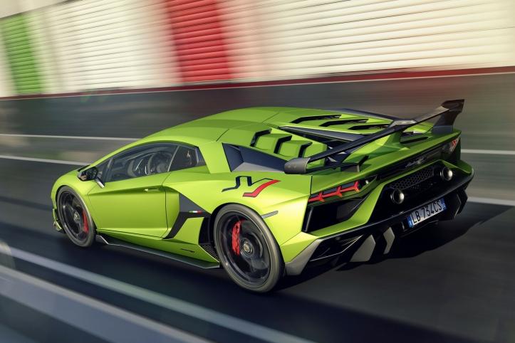 Lamborghini Aventador SVJ 2018 arrière dynamique