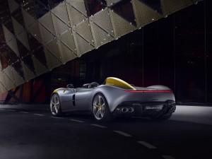 Ferrari Monza SP1 feux arrière échappement V12