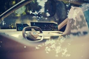 BMW Vision iNEXT Concept 2018 intérieur écran autonome
