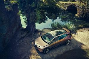 BMW Vision iNEXT Concept toit capot jantes