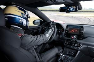 Hyundai i30 N Fastback intérieur circuit dynamique écran