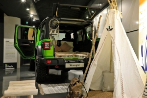Exposition Jeep Around MotorVillage 2018 Wrangler camping SUV