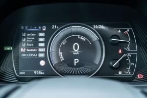 Essai Lexus UX combiné compteurs hybride