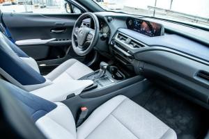 Essai Lexus UX 2018 intérieur volant écran