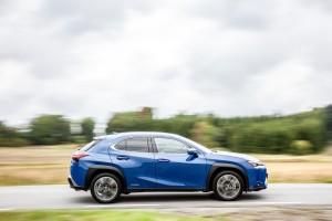 Essai Lexus UX profil dynamique f-sport jantes