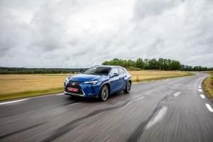Essai Lexus UX hybride calandre dynamique
