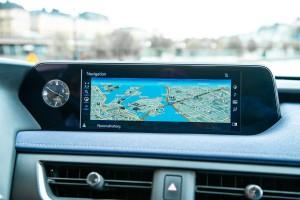 Essai Lexus UX écran navigation gis
