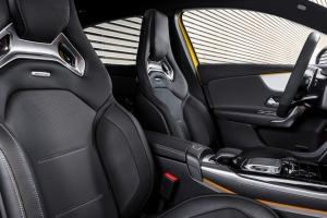 Mercedes-AMG A 45 4MATIC intérieur sièges
