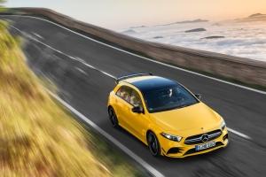 Mercedes-AMG A 45 4MATIC dynamique capot jaune