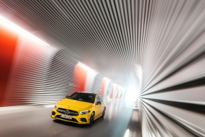 Mercedes-AMG A 45 4MATIC dynamique avant calandre