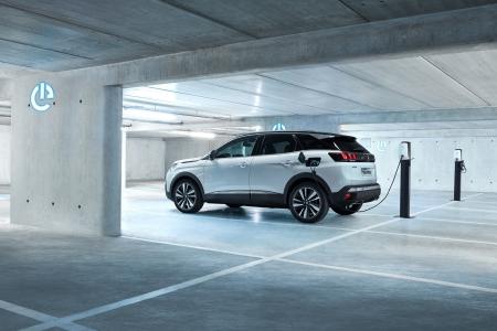 Peugeot 3008 hybride charge électrique