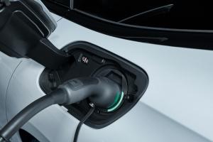 Peugeot 508 plug-in hybrid prise recharge