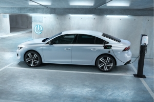 Peugeot 508 plug-in hybrid hybride recharge profil
