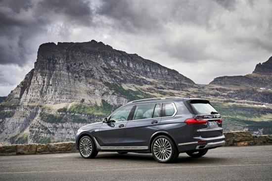 BMW X7 2018 arrière profil roues
