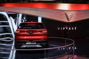 VinFast LUX SA2.0 Mondial auto Paris 2018 arrière feux échappement logo
