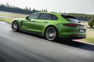 Porsche Panamera Sport Turismo GTS 2018 arrière feux roues circuit