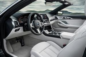 BMW Série 8 cabriolet 2018 intérieur volant sièges