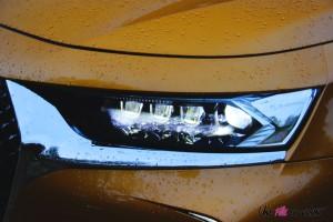 DS 7 Crossback 2018 feux avant détail LED
