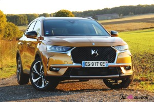 DS 7 Crossback 2018 avant calandre orange 225 essence