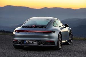 Porsche 911 type 992, arrière, feux, échappement