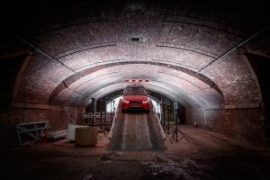 Range Rover Evoque 2018 avant feux rampe rouge