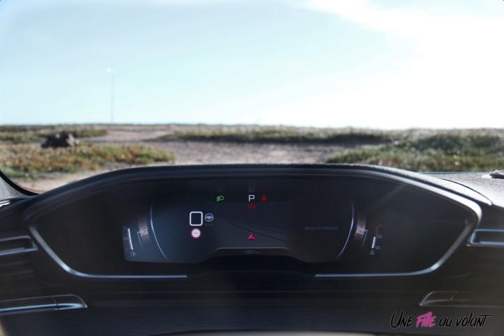 Peugeot 508 SW combiné numérique i-cockpit intérieur