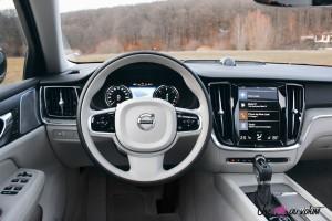 Volvo V60 volant intérieur combiné