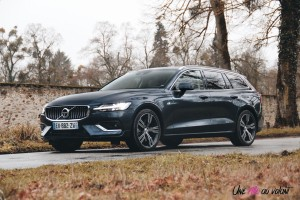 Volvo V60 jantes denim blue D4 diesel break