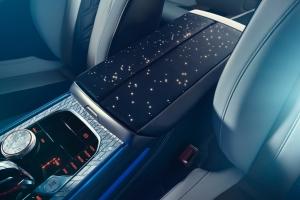 BMW M850i Night Sky console centrale intérieur